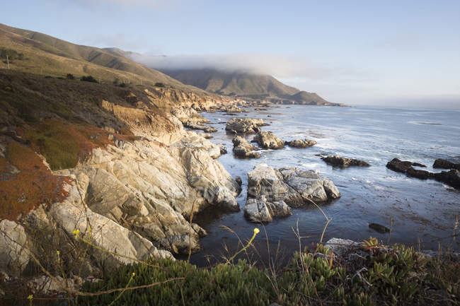 США, Coast at highway 1 at daytime — стоковое фото