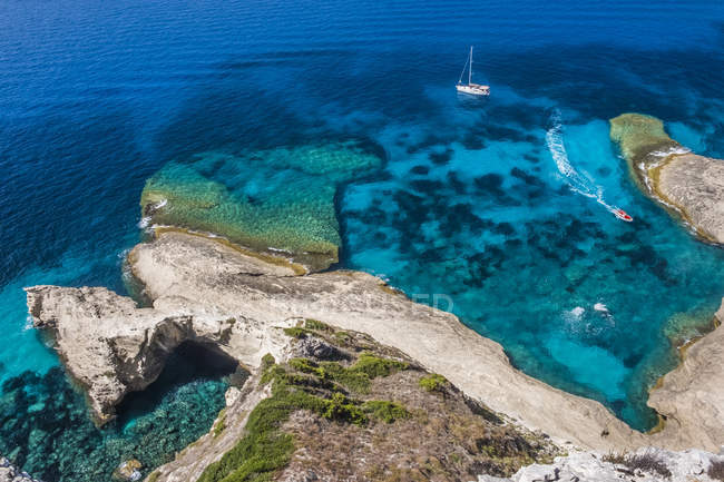 Corsica, costa mediterranea diurna — Foto stock