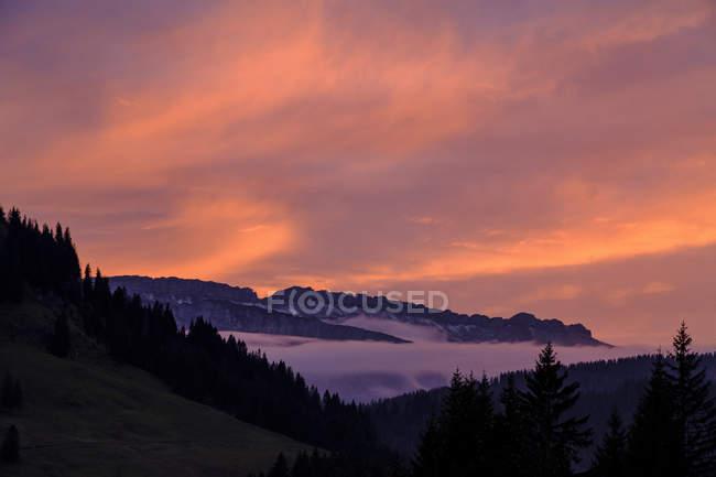 Allemagne, Bavière, Souabe, Alpes d'Allgaeu, Oberallgaeu, près de Grasgehren, Gottesackerplateau au coucher du soleil — Photo de stock