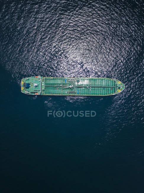 Indonésia, Bali, vista aérea do petroleiro de petróleo — Fotografia de Stock