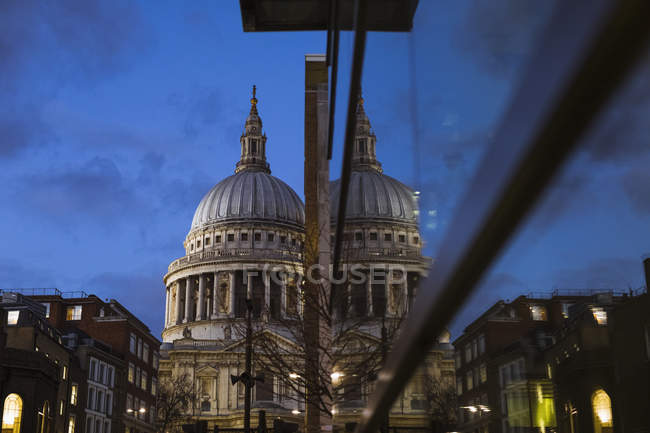 United Kingdom, England, London, St Paul's Cathedral at blue hour — Stock Photo