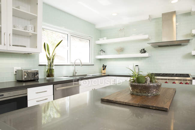 Innenraum einer modernen Küche — Stockfoto