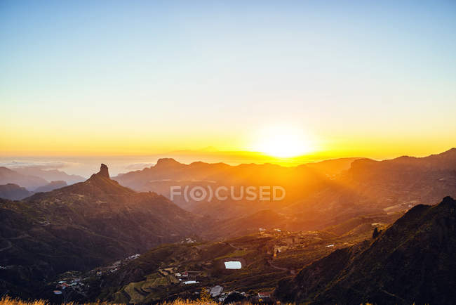 Spain, Canary Islands, Gran Canaria, mountain landscape at sunset — Stock Photo