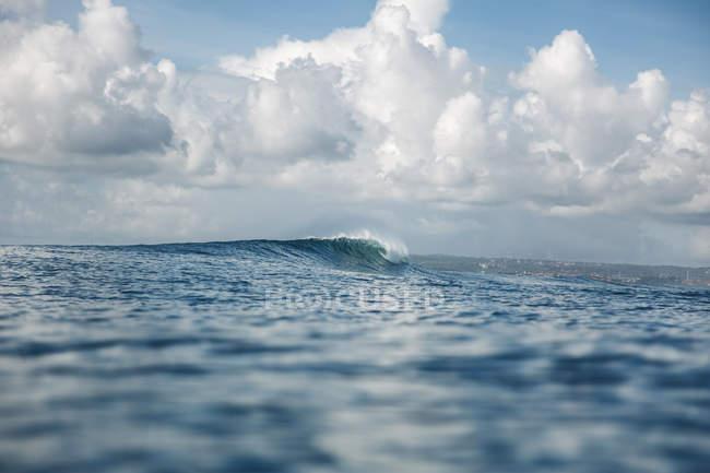 Індонезія, Балі, Сербган, хвиля — стокове фото