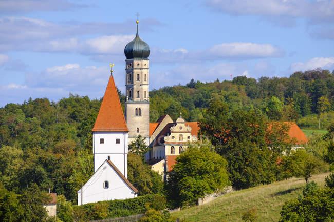 Germany, Bavaria, Swabia, Donau-Ries, Moenchsdeggingen, Abbey and St George's Church — Stock Photo