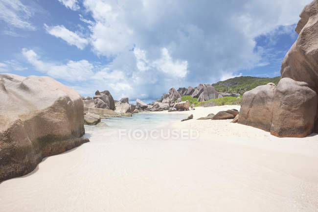 Seychelles, La Digue, Anse Marron with granite rocks — Stock Photo