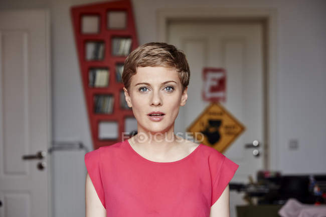 Portrait of woman at home — Stock Photo