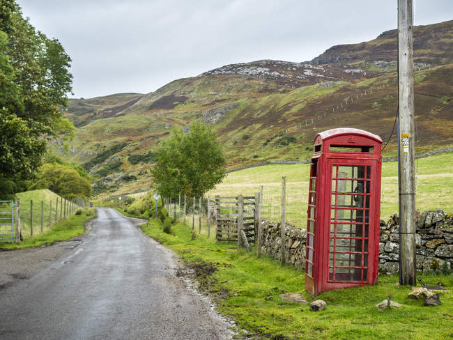 Великобританія, Шотландія, Хайленд, телефонна будка на північному узбережжі 500 — стокове фото