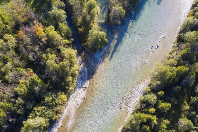 Alemanha, Bavaria superior, vista aérea do Rio de Isar perto de Lenggries — Fotografia de Stock