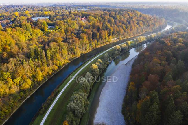 Germania, Baviera, Alta Baviera, Canale dell'Isar e fiume Isar, Castello di Schwaneck a Pullach, Valle dell'Isar — Foto stock