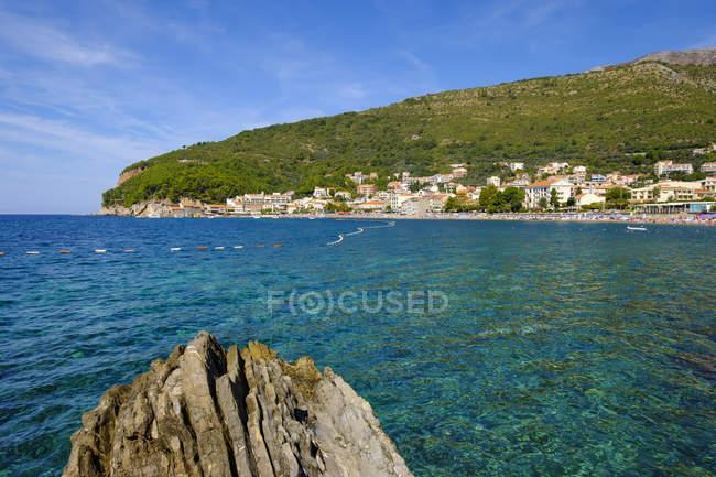 Montenegro, Costa Adriática, Petrovac perto de Budva — Fotografia de Stock