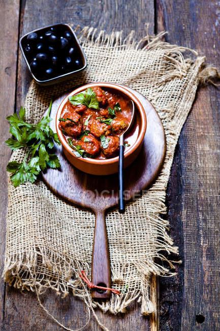 Іспанська Альбонґейт, фрикадельки в пікантним томатному соусі — стокове фото