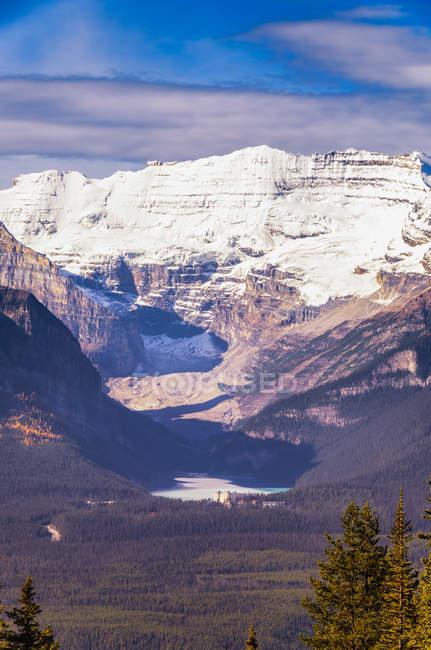 Канада, Альберта, Національний парк Банфф, вид на озеро Луїз — стокове фото
