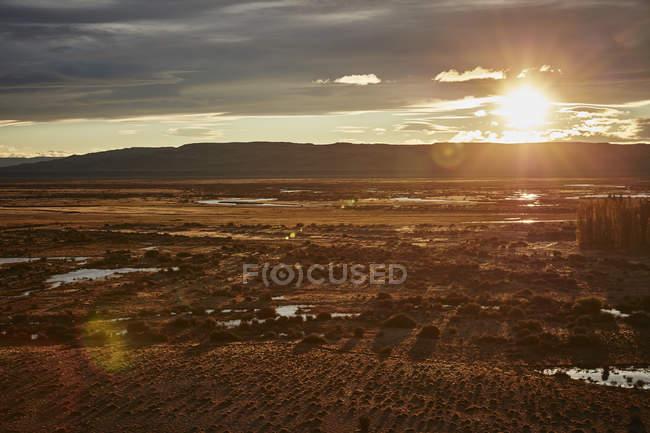 Argentine, Rio Chico, steppe Patagonique au coucher du soleil — Photo de stock