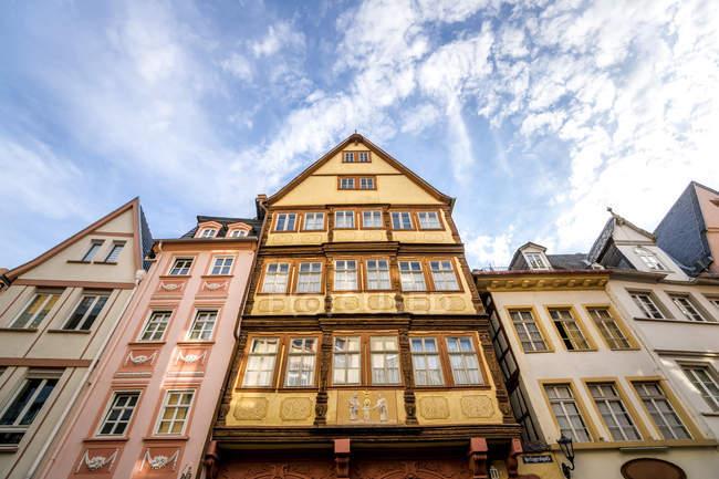 Alemania, Renania-Palatinado, Maguncia, Casco antiguo, Casas de entramado de madera - foto de stock