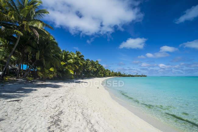 Острови Кука, Раротонга, Таюткі Лагуна, пляж — стокове фото