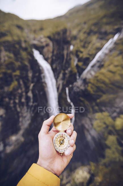 Bussola a mano in Norvegia — Foto stock