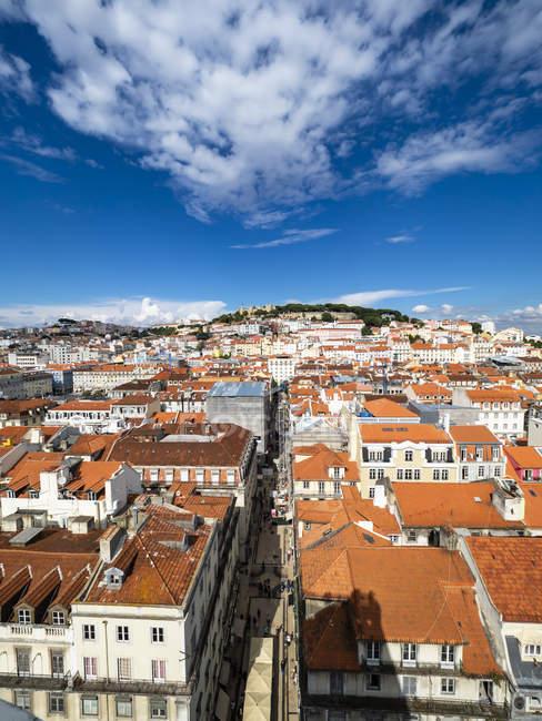 Portugal, Lisboa, Baixa, cityscape with Castelo Sao Jorge — Stock Photo