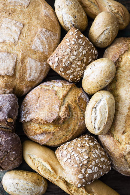 Various sorts of bread, close-up — Stockfoto