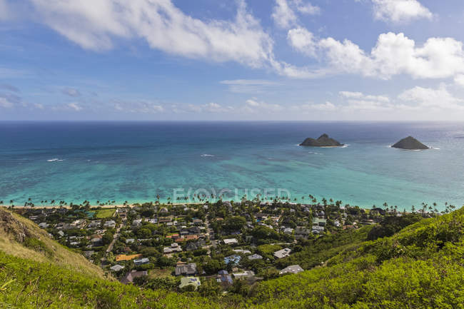 Usa, hawaii, oahu, kailua, blick vom lanikai pillbox trail, kaiwa ridge trail, zu na mokulua, den zwillingsinseln — Stockfoto