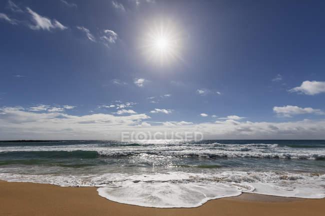 Stati Uniti, Hawaii, Kauai, Kealia Beach contro il sole — Foto stock