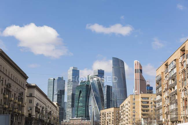 Russia, Mosca, Quartiere finanziario in una giornata di sole — Foto stock