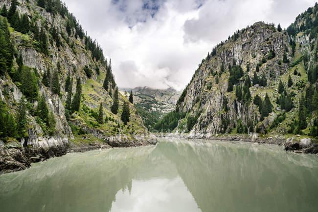 Швейцарія, Вале, водосховище в горах — стокове фото