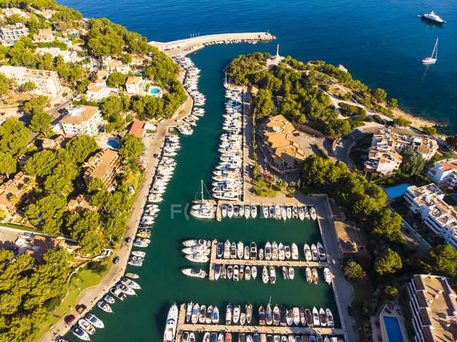 Spagna, Baleari, Maiorca, regione di Calvia, vista aerea di Santa ponca, marina — Foto stock