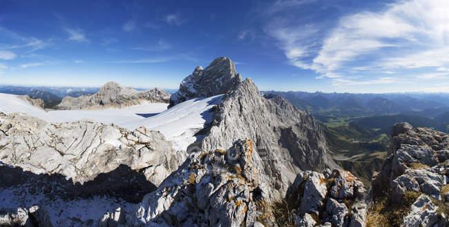 Autriche, Styrie, Salzkammergut, massif de Dachstein, Vue Dirndl, Gjaidstein, Glacier Hallstaetter — Photo de stock