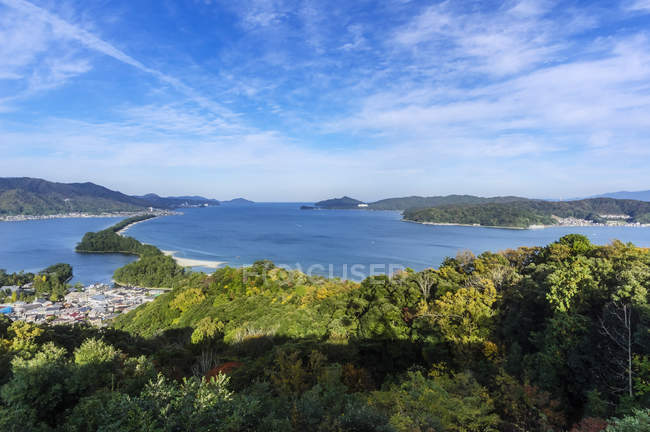 Japan, Kyoto Prefecture, view on Amanohasidate with sandbar and sea — Stock Photo