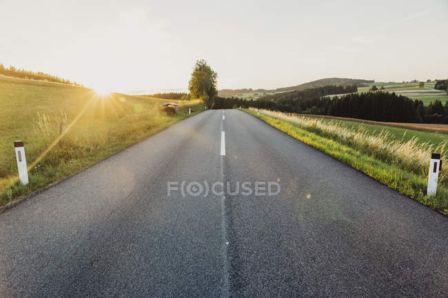 Austria, empty road in the countryside — Stock Photo
