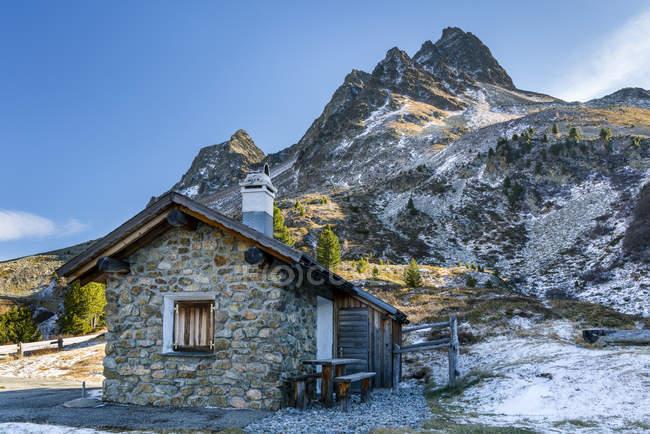 Switzerland, Grisons, vale de Albula, estrada da passagem de Albula — Fotografia de Stock