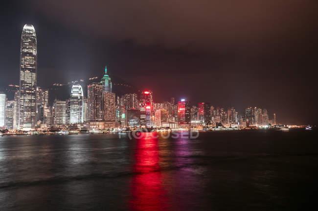 Hong Kong, Tsim Sha Tsui, cityscape at night — Stock Photo