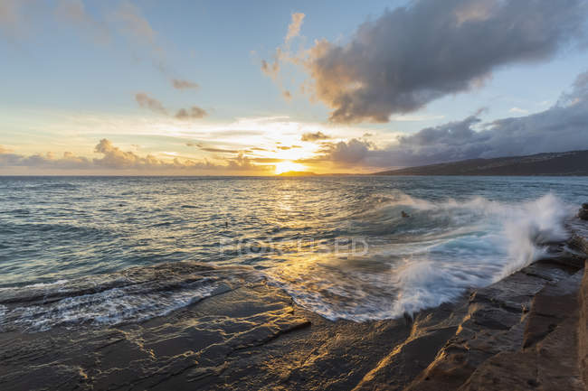 USA, Hawaï, Oahu, Chine Mur au coucher du soleil — Photo de stock