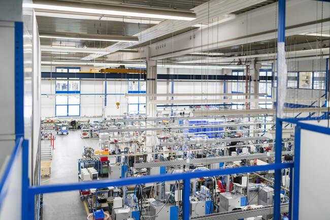 Machines on factory shop floor — Stock Photo