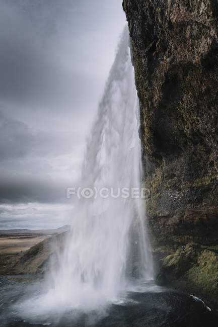 Islandia, Seljalandsfoss Cascada durante el día - foto de stock