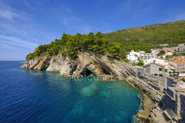 Чорногорія, узбережжя Адріатики, Петровац поблизу Будви, пляж — стокове фото
