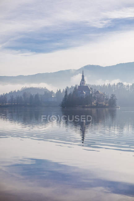 Slovenia, Gorenjska, Bled, Bled lake, Bled island with Church of Mary's Assumption — Stock Photo