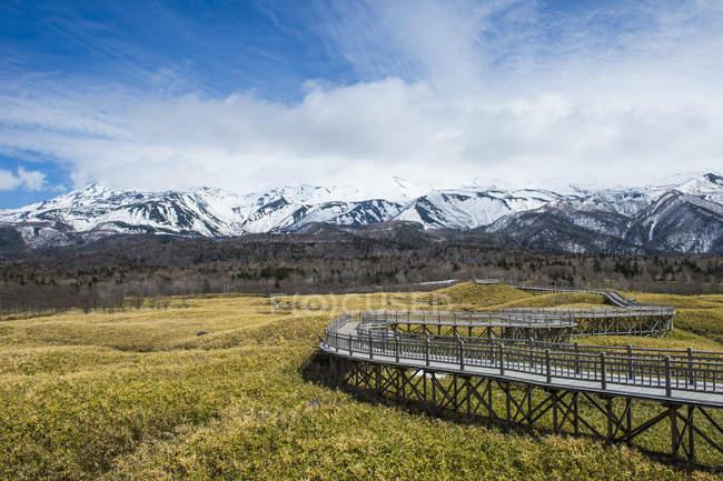 Hokkaido, Parque Nacional Shiretoko, calçadão na área dos lagos Shiretoko Goko — Fotografia de Stock