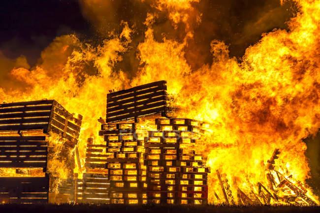 Great Britain, Scotland, East Lothian, Aberlady, Bonfire — Stock Photo