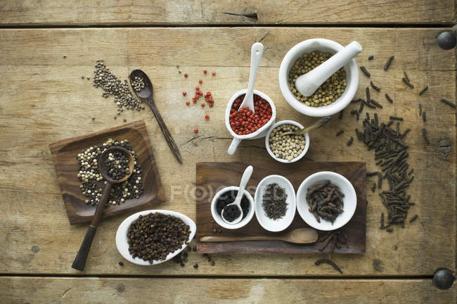 Various sorts of pepper — Stockfoto