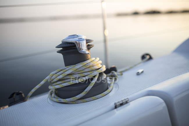 Verricello e corda a vela su uno yacht — Foto stock