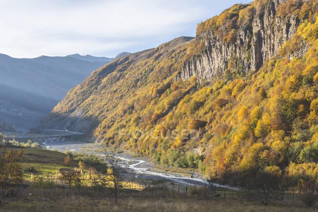 Грузія, великий Кавказ, Грузинська військова дорога на Араві — стокове фото
