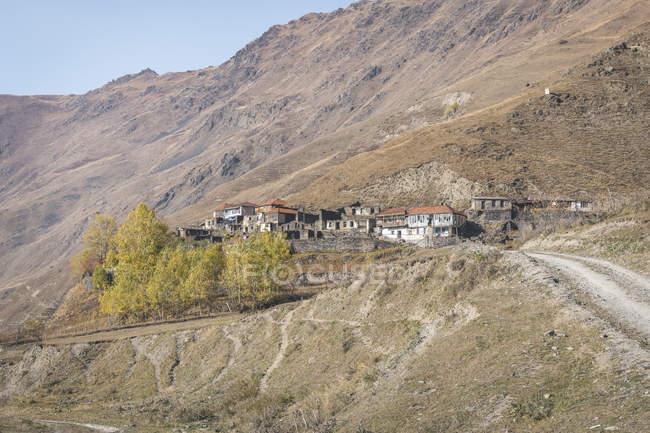 Грузія, великий Кавказ, село в долині Сніно — стокове фото
