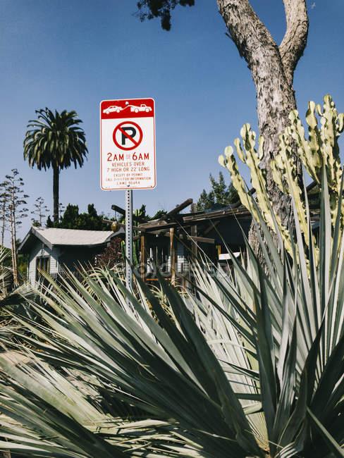 USA, Los Angeles, Venice Residential Area, cartello zona traino — Foto stock