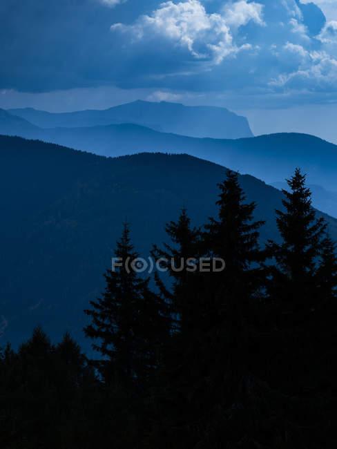 Italie, Trentin, Tirol du Sud, Pustertal, chaîne de montagnes sciliar du sommet du mont Astjoch — Photo de stock