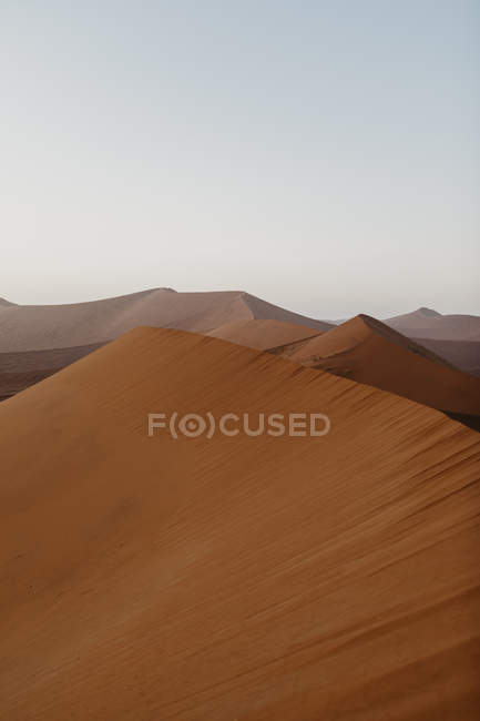 Namibia, Namib desert, Namib-Naukluft National Park, Sossusvlei, sunset at Dune 45 — Stock Photo