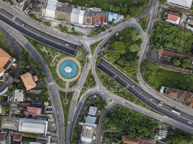 Indonesia, Bali, Denpasar, Aerial view of Patung Dewa Ruci statue at crossroads — Stock Photo