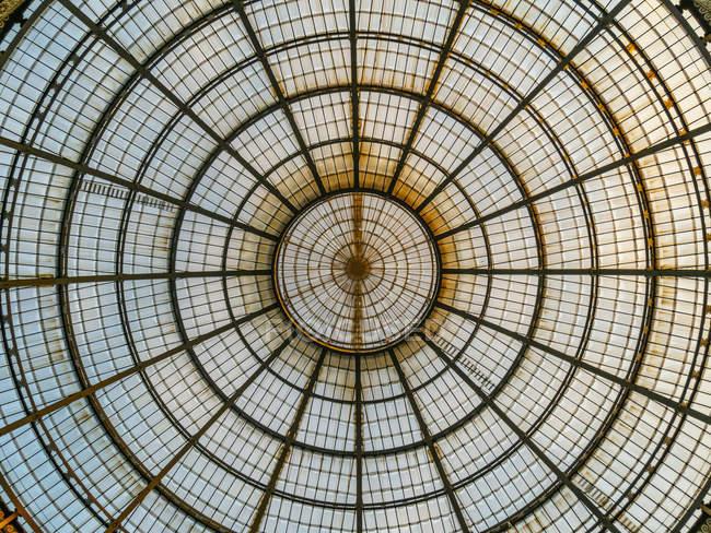 Italy, Milan, Galleria Vittorio Emanuele II, glass dome — Stock Photo