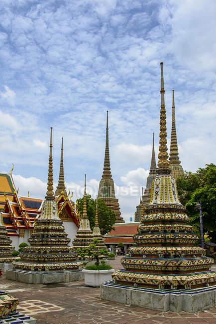 Thailand, Bangkok, Wat Pho, Wat Phra Chetuphon, Phra Chedi Rai, — Stock Photo